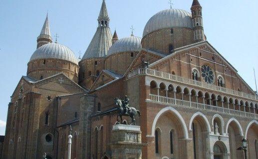 фото базилики Сант Антонио в Падуе
