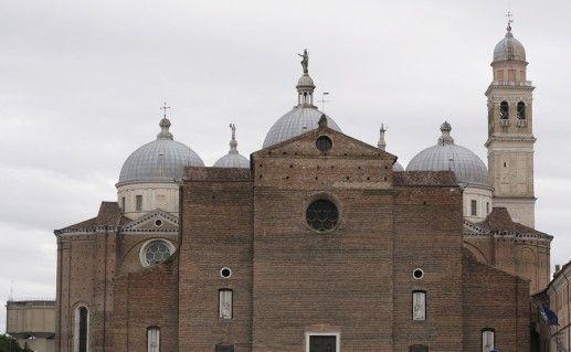 фотография базилики Санта Джустина в Падуе
