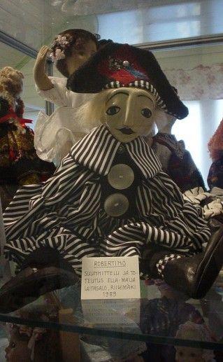 экспонат музей кукол в Савонлинне фото