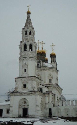 фотография свято-троицкого собора в Верхотурье вид сблизи