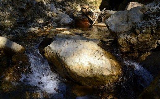 Фотография внутри ущелья Мешоко