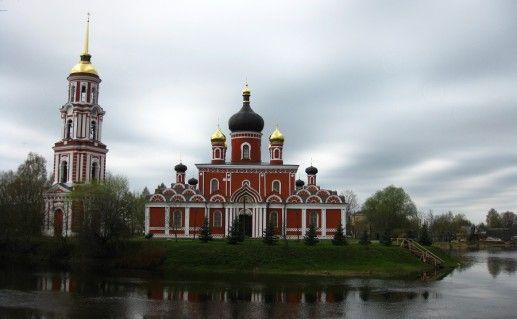 Воскресенский собор в Старой Руссе фото