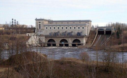 Нарвская ГЭС в Ивангороде фотография