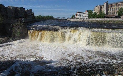 фотография Нарвских водопадов в Ивангороде