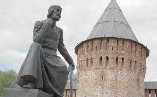 фотография памятника Федору Коню в Смоленске