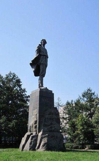 нижегородский памятник Горькому фотография