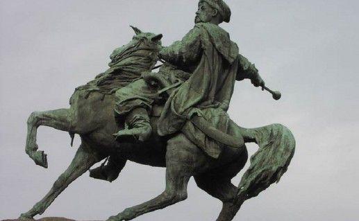фотография киевского памятника Хмельницкому