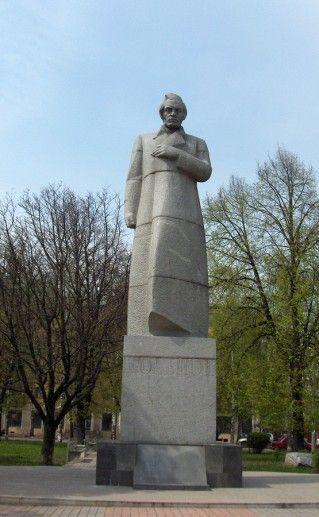фотография памятника Кольцову в Воронеже