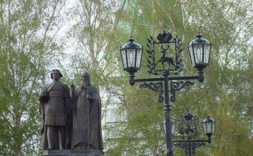 фотография памятника основателям Нижнего Новгорода