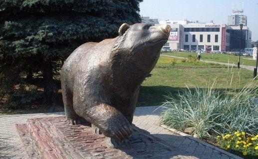 фото памятника пермскому медведю