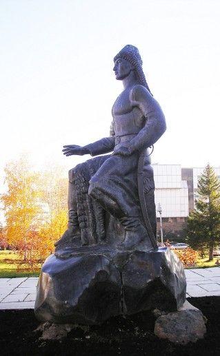 фотография памятника Салавату Юлаеву