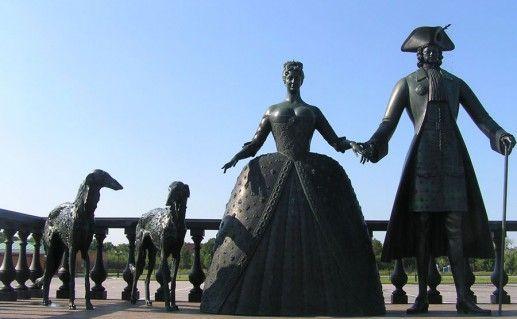 скульптурная композиция Царская прогулка в Стрельне фото
