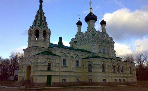 ивангородская Свято-Троицкая церковь фотография