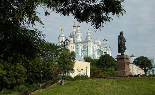 фотография памятника Кутузову в Смоленске