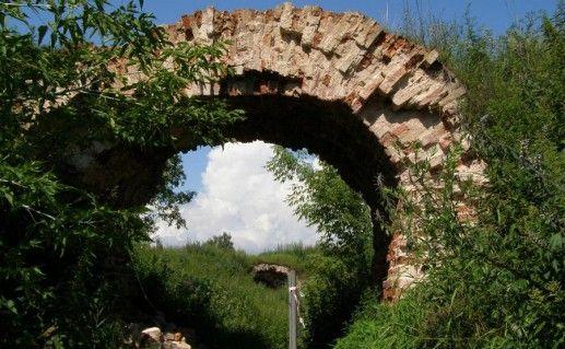 ворота Великолукской крепости фото