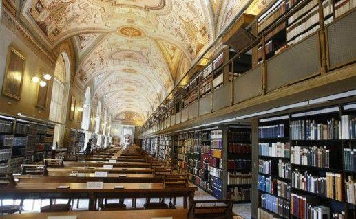 фотография ватиканской апостольской библиотеки