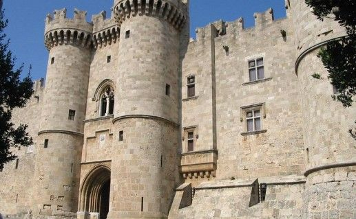 фотография Дворца Великих магистров на Родосе