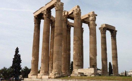 храм Зевса в Греции фотография