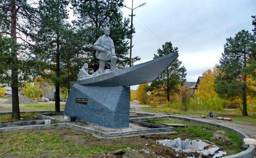 фото печорского памятника Русанову
