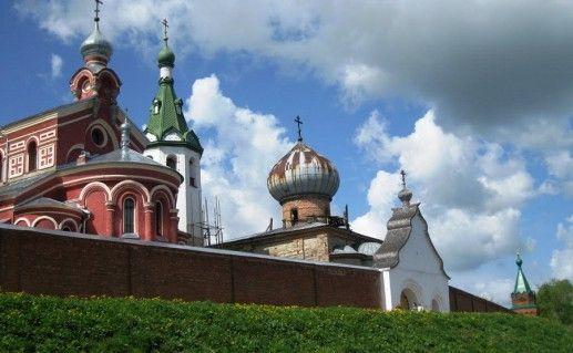 Староладожский Никольский монастырь в Ленинградской области фото