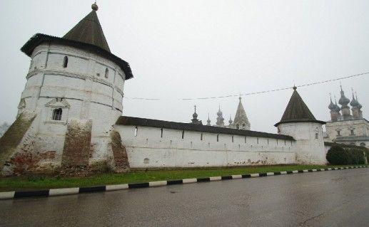 стена Древнего Кремля в Юрьев-Польском фото