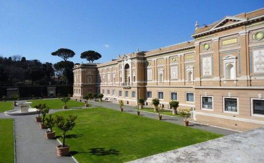 фотография ватиканской пинакотеки