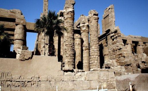 фото вида на храм Карнак в Египте