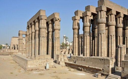 вид на древнеегипетский храм Луксор фото