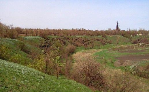 сланцевые скалы в Кривом Роге фото