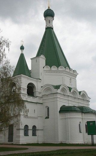 вид на Михайло-Архангельский собор в Нижнем Новгороде фотография