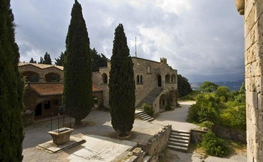 вид на родосский монастырь Филеримос фото