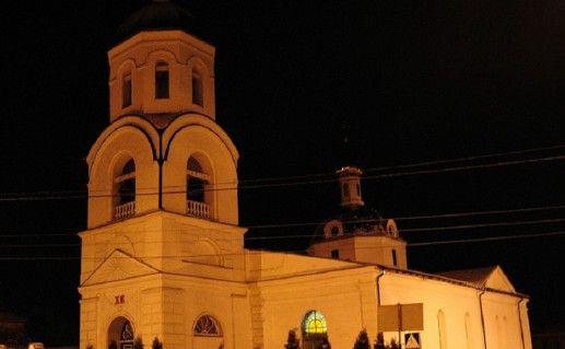 ночной вид на Николаевский собор в Умани фото