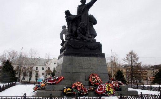 вяземский памятник генералу Ефремову фотография