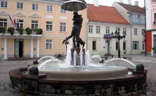 фото Ратушной площади в Тарту