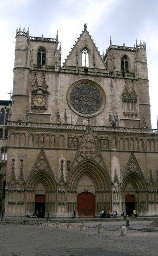лионский собор Иоанна Крестителя фото