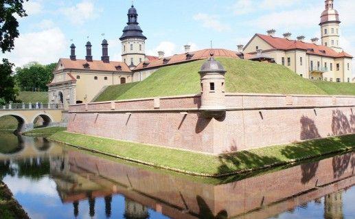 фотография вида на Несвижский замок в Белоруссии