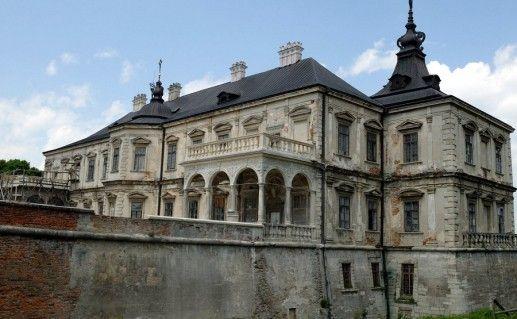 вид на Подгорецкий замок в Украине фото