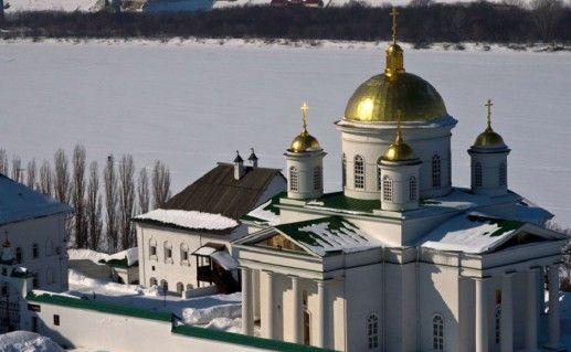 вид сверху на Нижегородский Благовещенский монастырь фотография