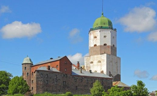 фото Выборгского замка в России