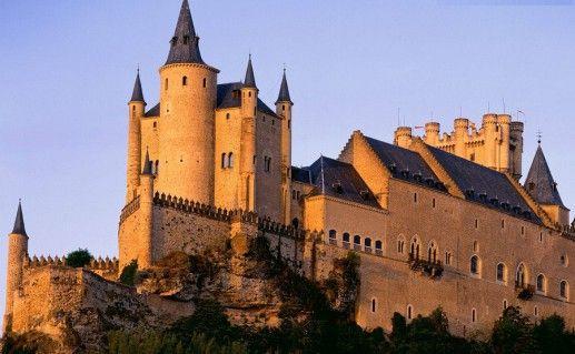 замок Алькасар в Испании фотография