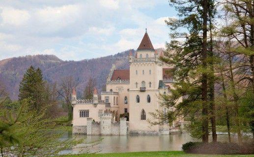 вид на австрийский замок Аниф фотография
