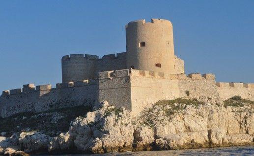 фото замка Иф во Франции