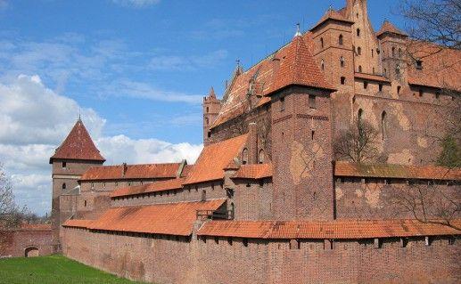фотография замка Мальборк в Польше