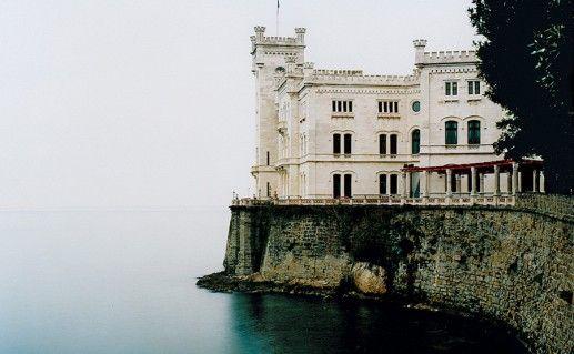 итальянский замок Мирамар фотография
