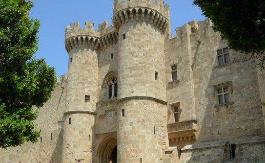 фотография замка рыцарей святого Иоанна в Греции