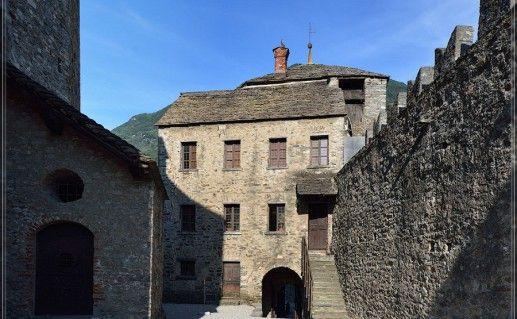 фото замка Сассо Карбаро в Лихтенштейне