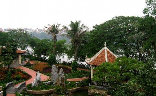 фото деревни Ле Мат в Ханое