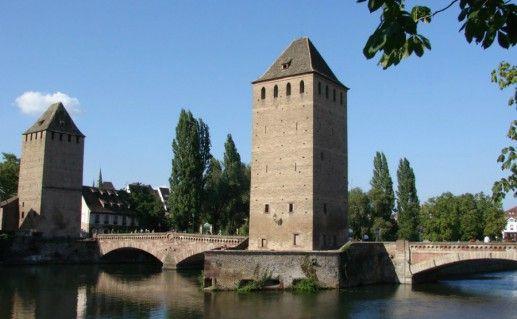 Ансамбль крытых мостов в Страсбурге фотография