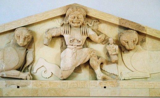 Археологический музей и храм Артемиды на острове Корфу