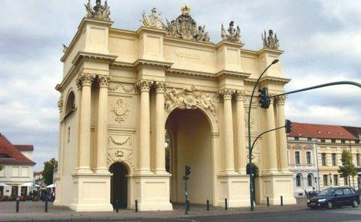 Бранденбургские ворота в Потсдаме  фото